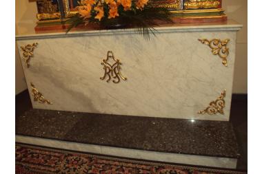 Kościół w Łużnej – ołtarz boczny Maryjny