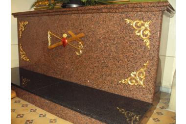 Kościół w Łużnej – ołtarz boczny Serca Jezusowego